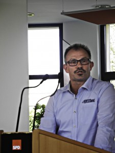 Josef Grabowski, stellv. Betriebsratsvors Caterpillar sprach ein Grußwort im Namen der 950 Beschäftigten.