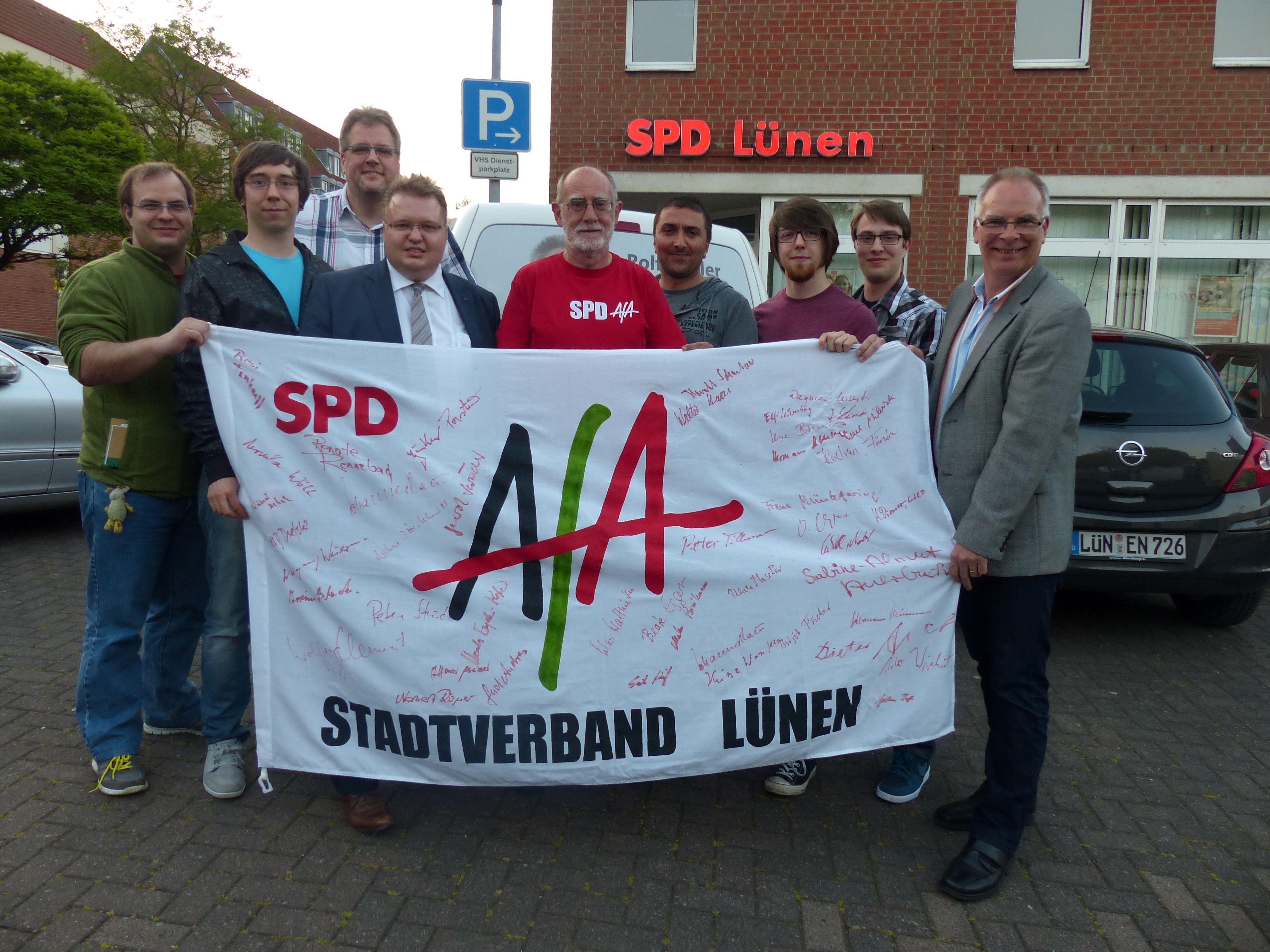 """Der neue AfA-Vorstand mit dem """"alten"""" und """"neuen"""" Vorsitzenden Hans-Georg Fohrmeister (5. v.l.)"""